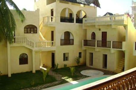 Amazing ancient village in kenya  - lamu district,coast province, - Villa