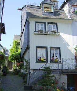 Fachwerkhaus Typical  Tudor House - Monschau
