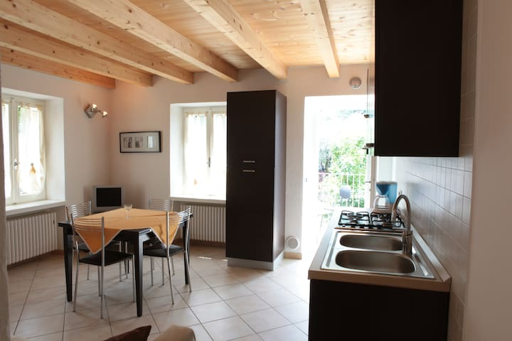 Garda Lake private apartment - Brenzone - Apartment