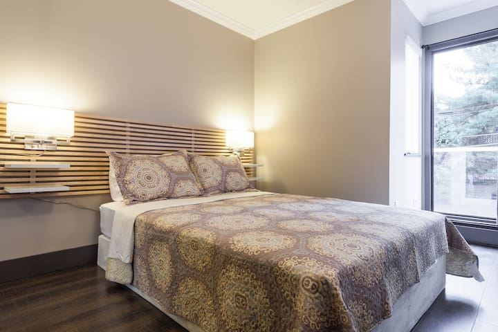 #311 -Extended Stay Vancouver