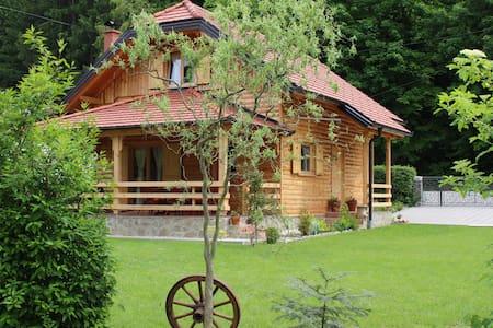 Drvena Hižica/Wooden House - Tuheljske Toplice
