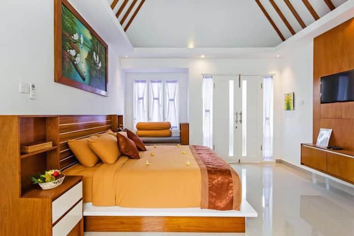 Whitehouse Villa Bali 2 With pool hot deal promo