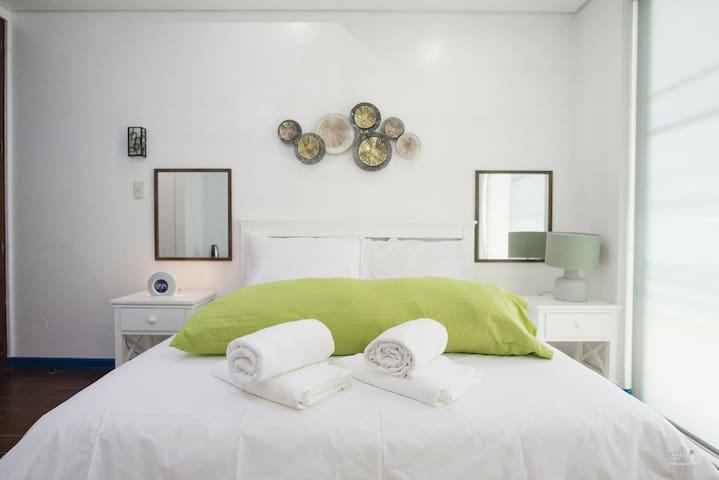 3BU Hostel La Union Deluxe Room w/ Pool & Balcony