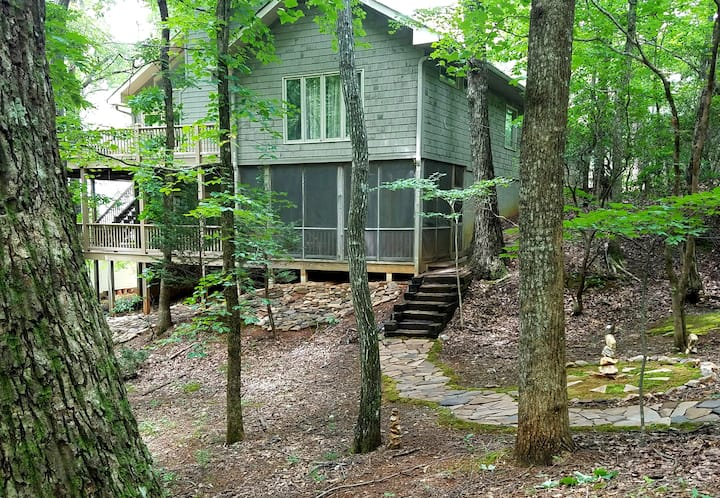Bear Creek Retreat  (entire suite with hot tub)