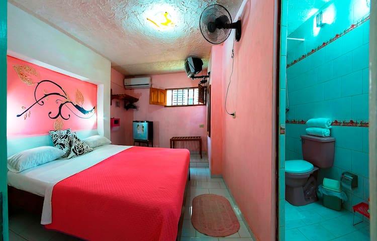Hostal Omara (Room # 1)