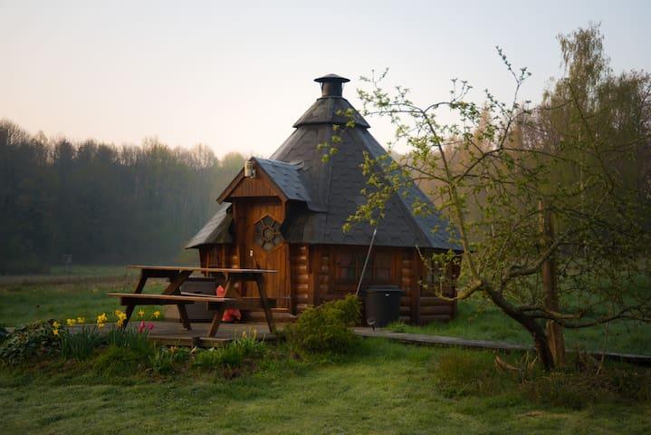 Logement insolite dans une hutte en bois!
