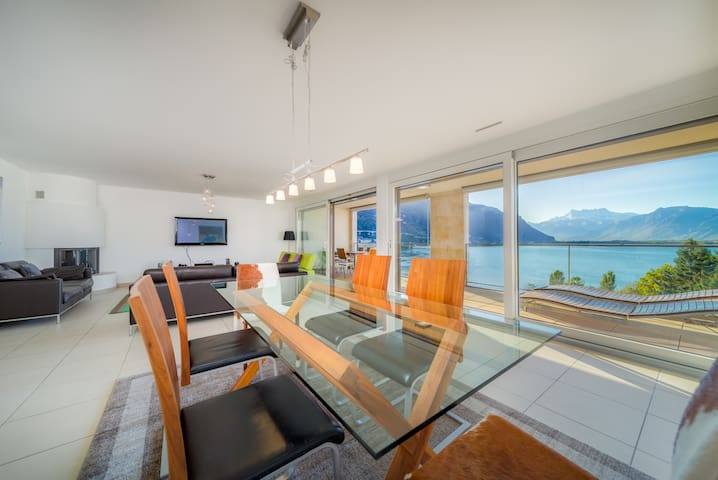 Luxury 4BD Apartment in Montreux Center&Lake