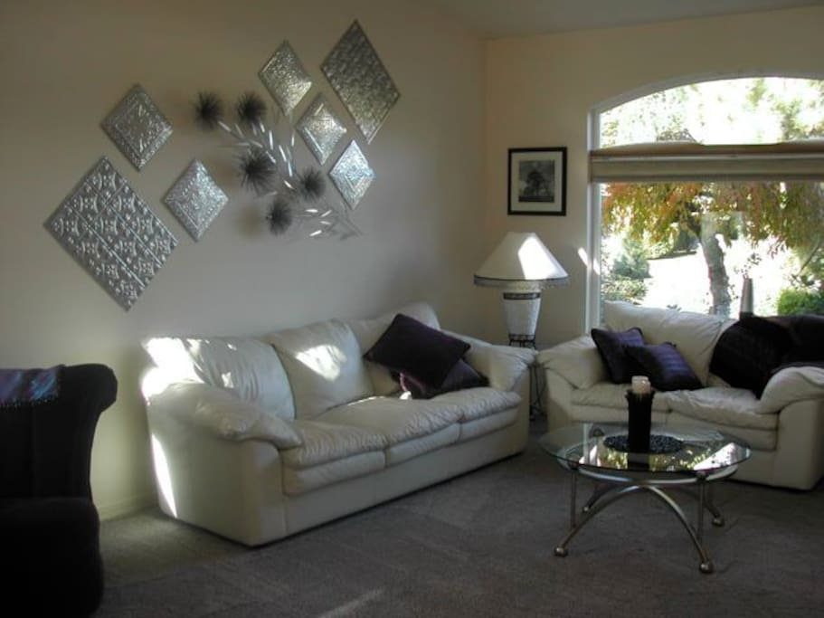 White and silver living room.