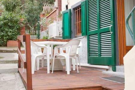 Affitasi appartamento a pochi passi dal mare - Marina di Campo