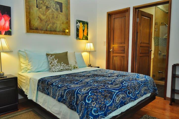 Mora Room - Casa Donna Rosa B&B