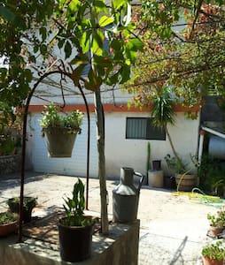 Accogliente casa  tra gli ulivi - Cassaro - Dom