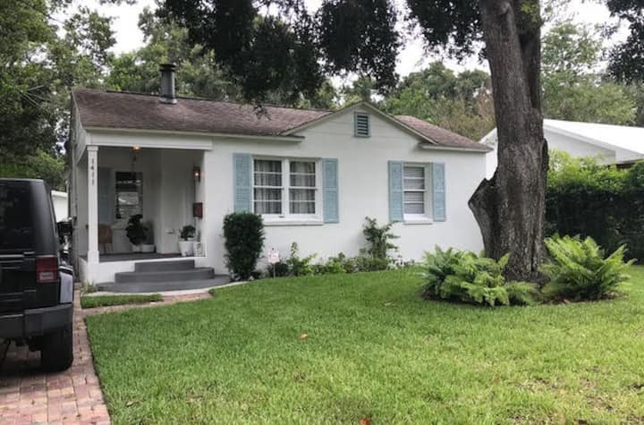Private room in Seminole Heights