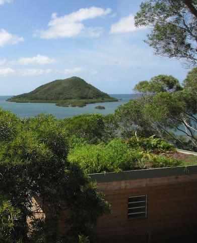 Bungalow bord de mer (ch,cuis, sdb) - Mont-Dore - Casa-Terra