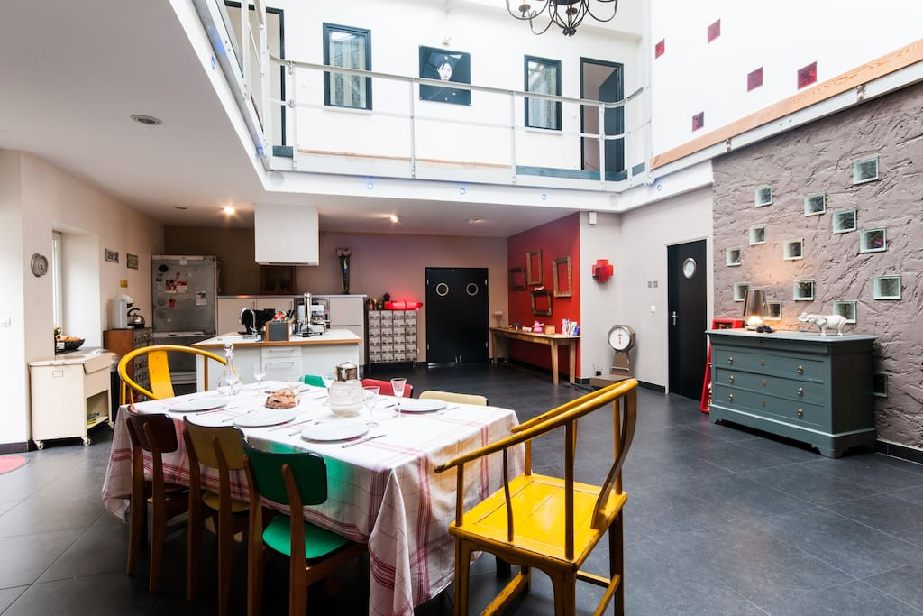 Chambre dans loft spacieux lumineux bed breakfasts for Chambre a louer lille