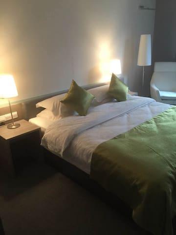 汤山温泉,奥特莱斯精致小房(大床房),适合双人游住宿。 - Nanjing - Apartamento