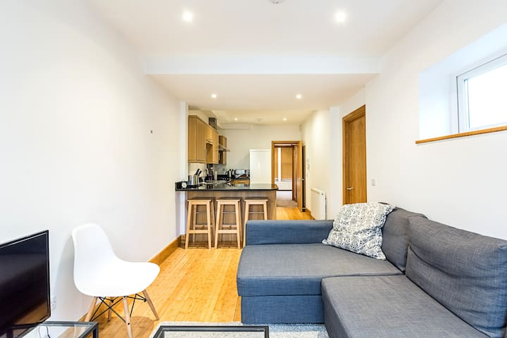 Nice 1 Bed Flat Near Lillie Road Recreation Ground