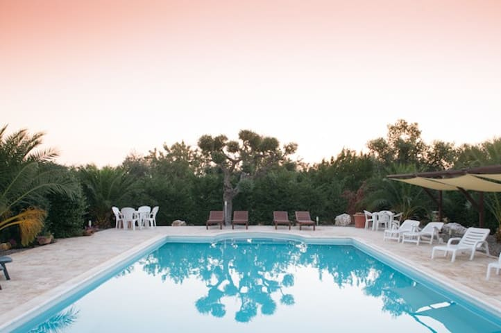 Bed & Breakfast in Puglia, bedroom for 2 persons - Castellana Grotte - Szoba reggelivel