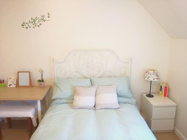 Coach House flat - spacious and clean