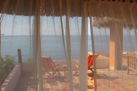 Romantic Remote Eco Beach Palapa  - Zomerhuis/Cottage