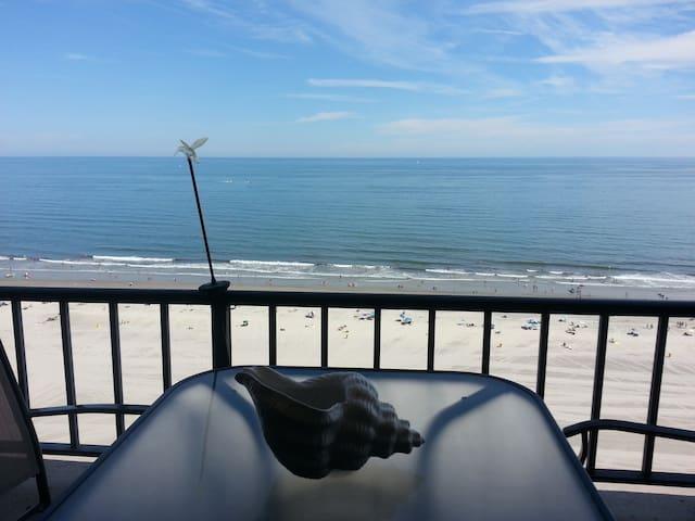 Atlantic City,Boardwalk.Fun,Romantic,Simply best!