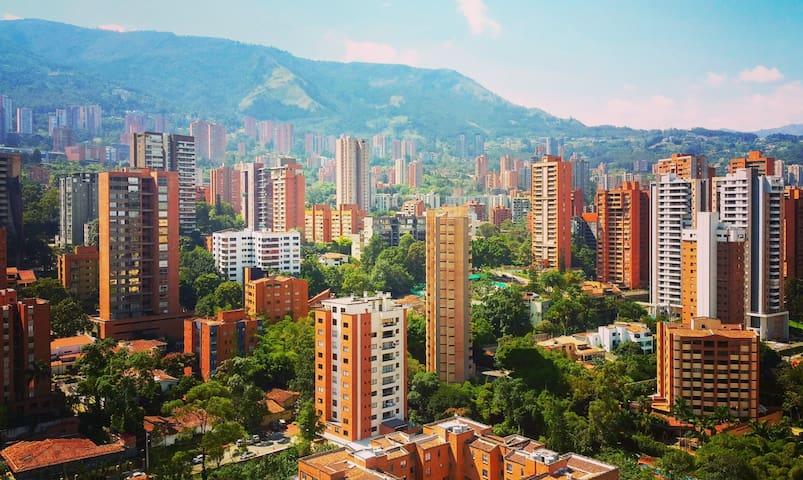 BEST LOCATION -  El Poblado - Walk Everywhere!