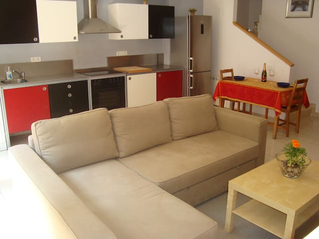 Comfortable, pull-out sofa