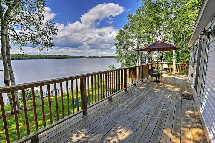 Updated 3BR Maranacook Lake Cabin w/ Hot Tub! - Winthrop - Huis