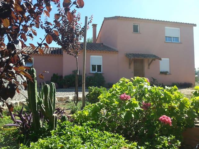Casa con jardin - amplia habitación - Alcover - Dom