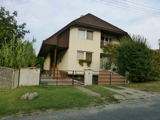 Peaceful near to the lake Balaton - Siófok - Apartment