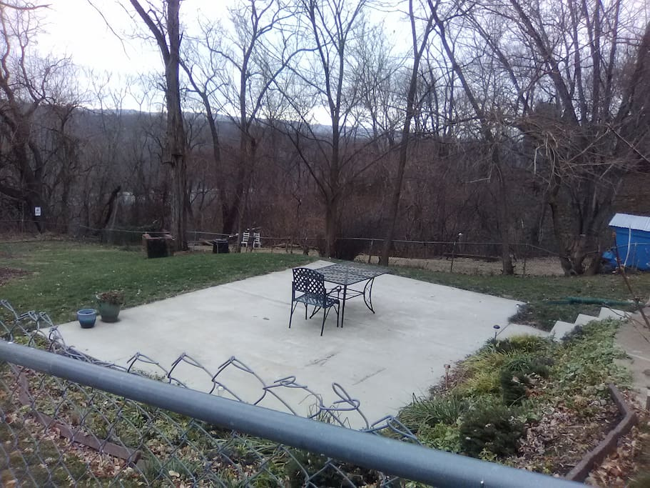 patio in big yard with view of mountains and Potomac River
