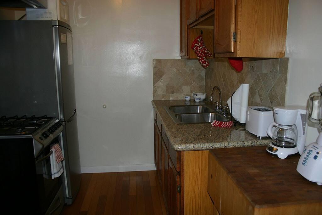 2826 #5- Kitchen
