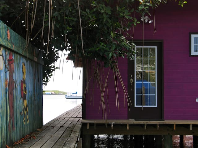 Purple House One Over The Water - Bocas del Toro -  colon island - Casa