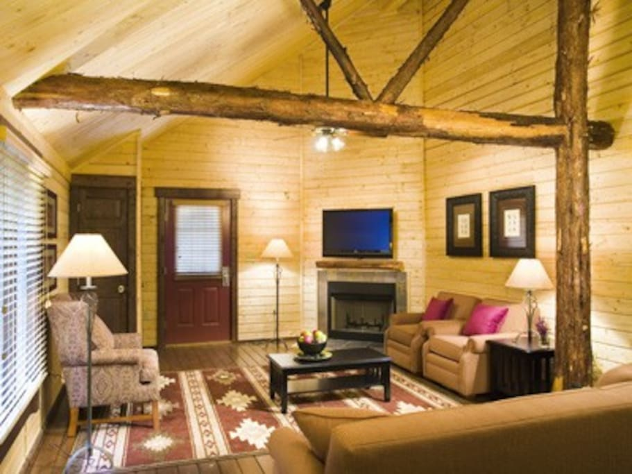 Great 3 bedroom log cabin sleeps 8 cabins for rent in for 3 bedroom log cabin prices