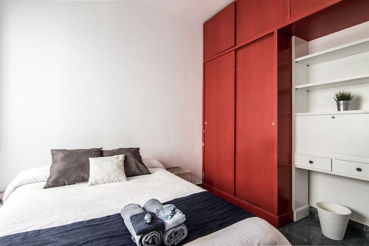 Private double room with breakfast - Barcelona - Bed & Breakfast