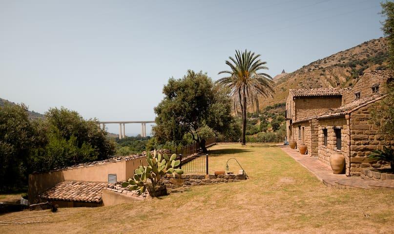Masseria Maggiore farmhouse close to Cefalú