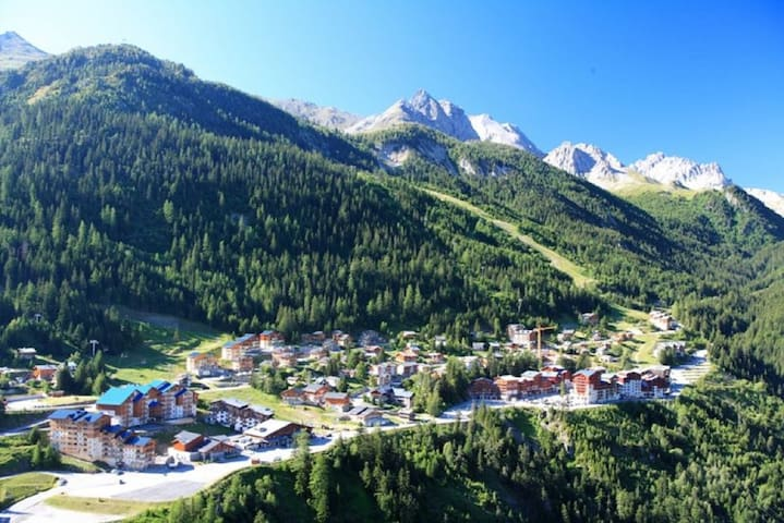 Duplex 6/8 pers.  gondola at only 50meters WIFI - Modane - Apartment