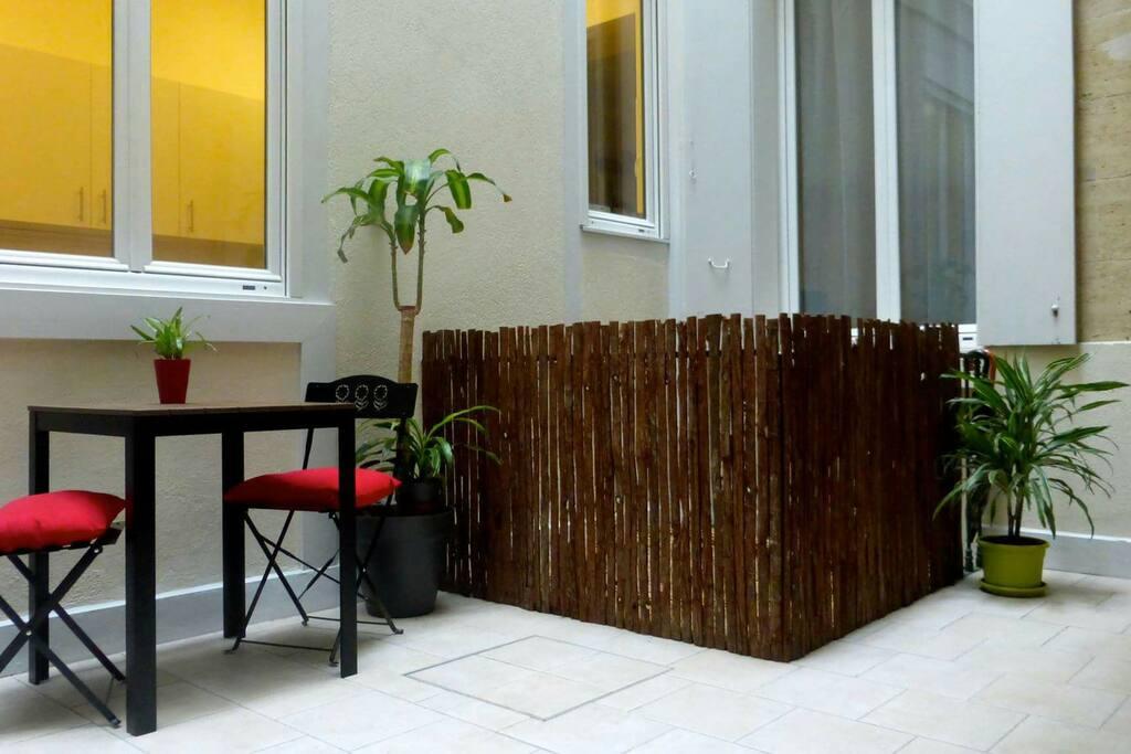 Chambre et terrasse priv e au coeur de bordeaux chambres for Location bordeaux terrasse