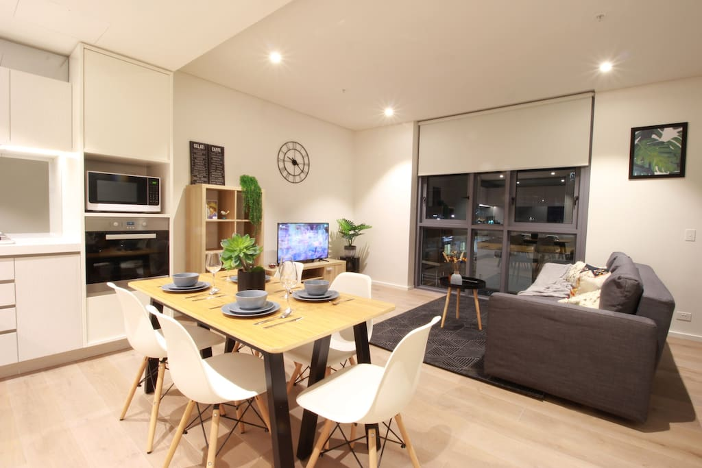 Syd Cbd Fancy 2 Bd Apt By Darling Harbour Car Park Apartments For Rent In Haymarket New South