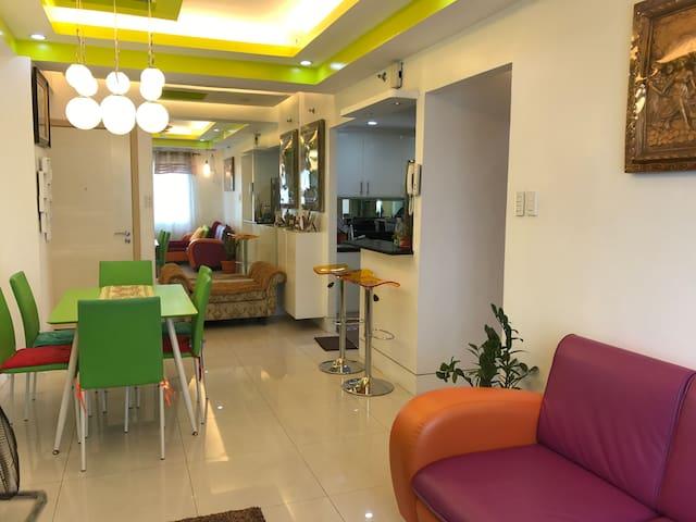 Cozy, comfy & homey 2BR/2TB/pool/gym/parking/WiFi
