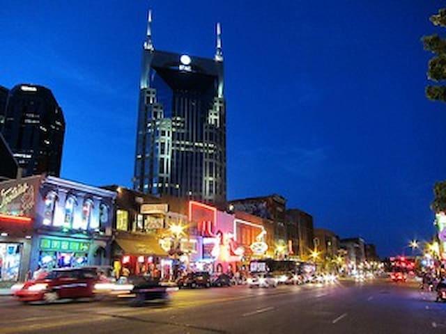 Nashville Nightlife Favorites