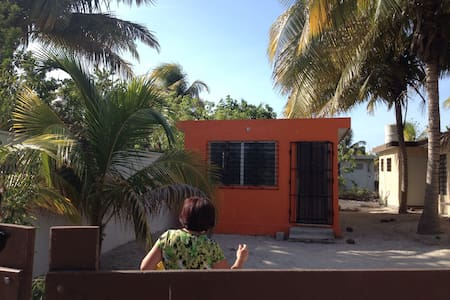 Casa naranja en Chelem Puerto - Chelem - ロフト