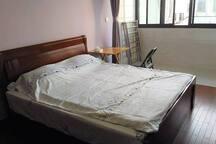 床1.8*2.2m。 bed size 1.8*2.2m