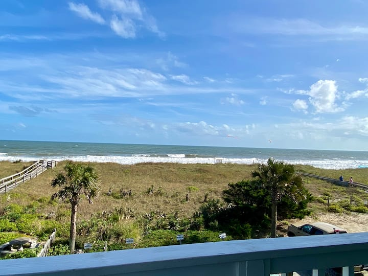 Oceanfront condo-2A-Pet Friendly! Linens Provided!