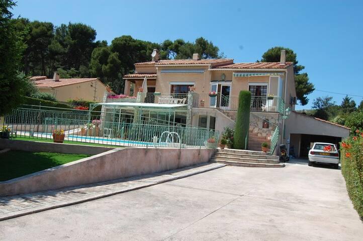 haut de villa 105 m2 LE ROVE 13740 - Le Rove - Villa
