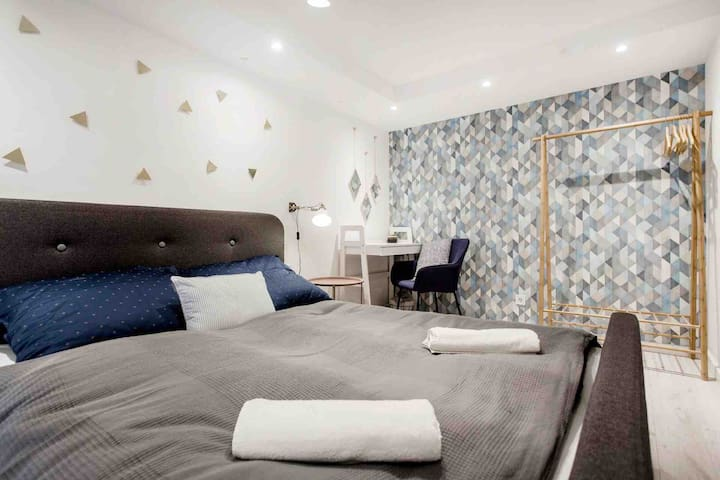 3-NEW!  private room in the heart of Budapest