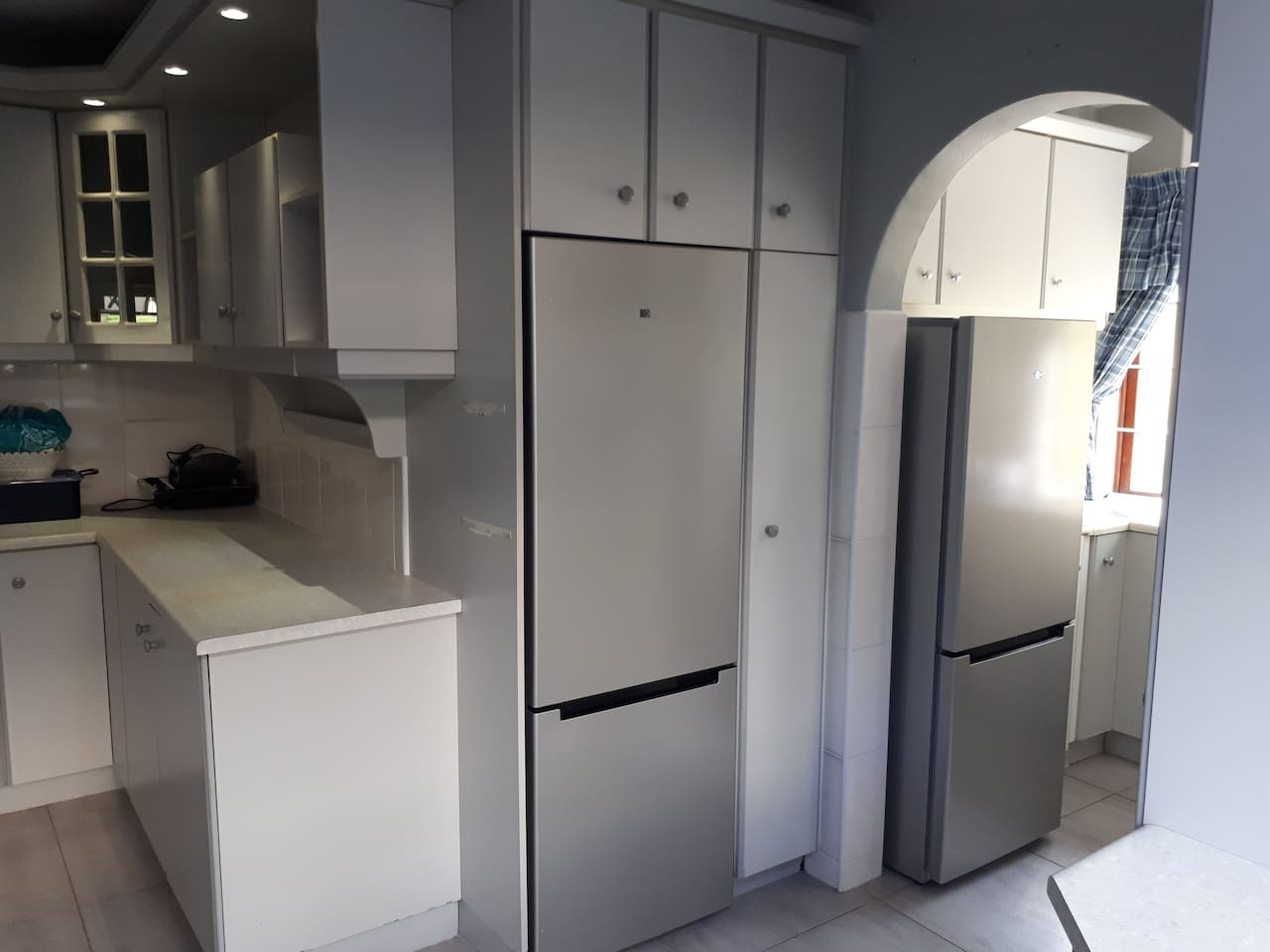 Fully fitted kitchen with all the cutlery, crockery, microwave,  toaster,  etc