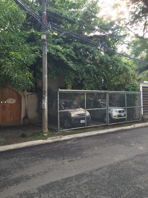 "New Secure Parking Cage at Pete's "" Cozy Manuel Antonio Cottage"""
