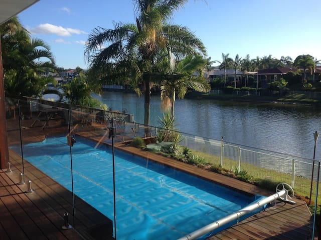 Holiday Unit in Burleigh Waters
