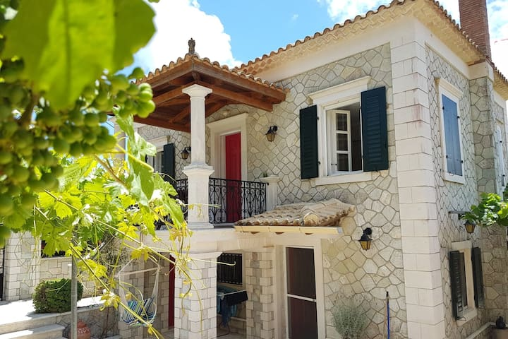 Villa Antoon:Discover hidden pearls in Zakynthos