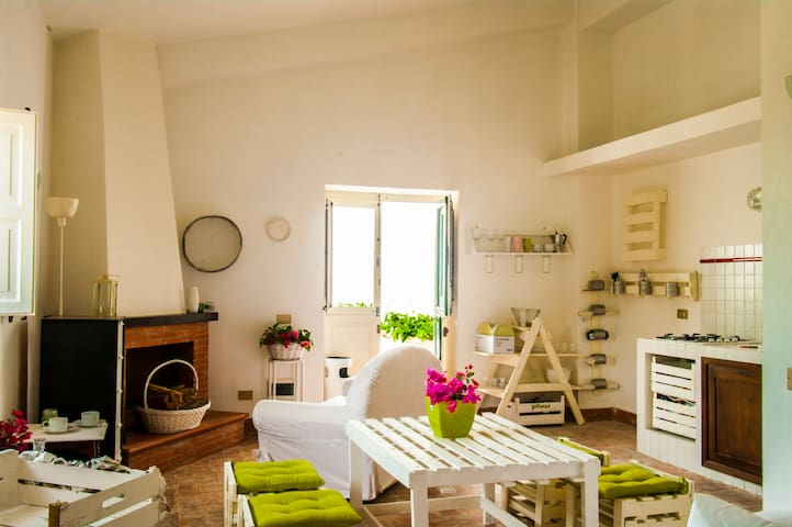 Charming Apartment near Corleone